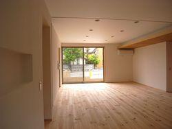 自然素材を使った、新築の住宅です。